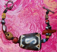Dzi Moneyhook & trade beads